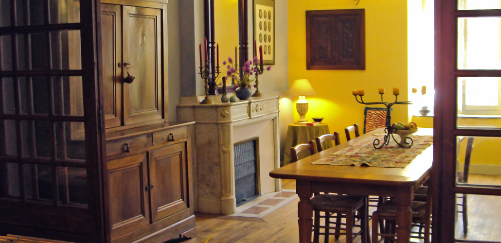 The dining room, a comfortable and warm place