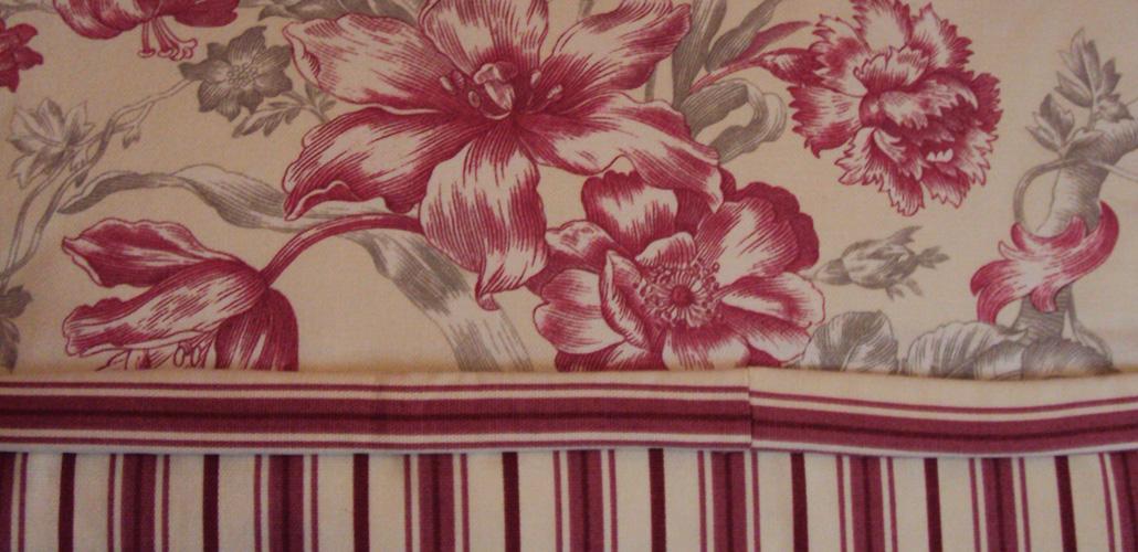 Chambre Artemisia Gentileschi - coussins tapisserie